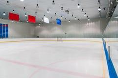 Lege ijshockeyspeelplaats stock fotografie