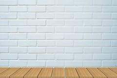Lege lijst voor witte baksteenachtergrond stock afbeelding