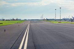 Lege luchthavenweg Royalty-vrije Stock Afbeelding