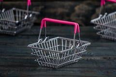 Lege Miniatuur het Winkelen Manden Stock Afbeelding