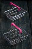 Lege Miniatuur het Winkelen Manden Royalty-vrije Stock Foto