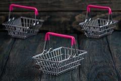 Lege Miniatuur het Winkelen Manden Stock Fotografie