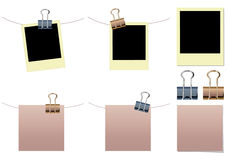 Lege nota, polaroid met bindmiddelenklemmen stock foto's