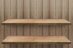 Lege plank 2 bij houten muurachtergrond royalty-vrije stock afbeeldingen