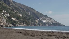 Lege Positano-kust op zonnige dag stock videobeelden