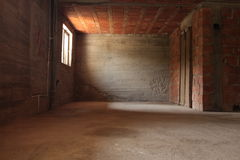 Lege ruimte met bakstenen muren Stock Foto