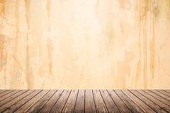 Lege ruimte van grungemuur en houten vloer Royalty-vrije Stock Foto