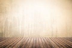 Lege ruimte van grungemuur en houten vloer Royalty-vrije Stock Fotografie