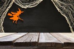 Lege rustieke lijst voor Halloween-vakantieachtergrond Klaar voor de montering van de productvertoning Royalty-vrije Stock Foto