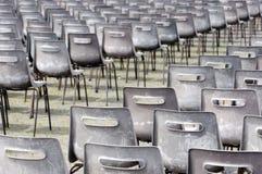 Lege stoelen voor massa. Vatikaan Stock Afbeeldingen