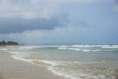 Lege stranden in het dorp van Arambol Goa, India royalty-vrije stock afbeeldingen