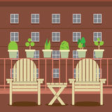 Lege Tuinstoelen bij Balkon Royalty-vrije Stock Afbeeldingen
