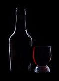 Lege wijnglazen op zwarte Stock Fotografie