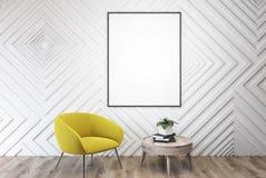 Lege witte ruimte, gele leunstoel, lijst, affiche Royalty-vrije Stock Afbeelding