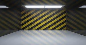 Lege Zaal met Één Licht en Gevaar Gestreepte Grunge Rusty Wall Stock Afbeeldingen