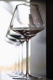 Lege zeer elegante wijnglazen Stock Foto