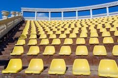Lege zetels in een openluchttheater Royalty-vrije Stock Fotografie
