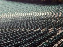 Lege zetels in een stadion Stock Afbeeldingen