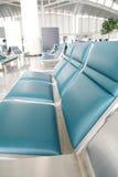 Lege zetels in luchthaven Royalty-vrije Stock Foto's
