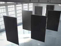 Lege zwarte banners in hangaar het 3d teruggeven Royalty-vrije Stock Afbeeldingen
