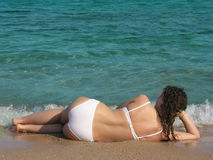 Legen nahe dem Meer Stockbild