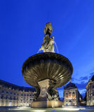 Legen Sie de la bourse in Bordeaux bis zum Nacht Stockfotos