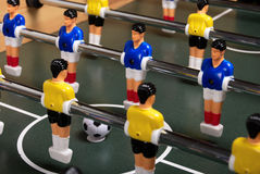 Legen Sie foosball Spiel ver lizenzfreie stockfotografie