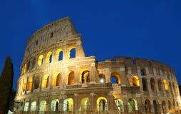 Legendarische Coliseum bij nacht, Rome, Italië royalty-vrije stock afbeelding