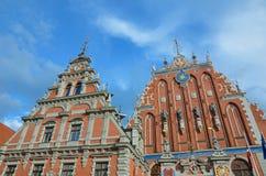Legendariskt hus av pormaskarna i Riga royaltyfria bilder