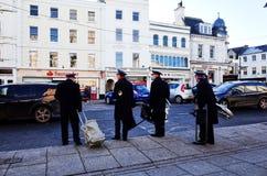Leger des Heilsfanfarekorps in het stadscentrum, Cirencester, ENGELAND, het UK stock afbeelding