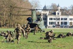 Leger en de oefening van de Luchtmachthelikopter Royalty-vrije Stock Afbeeldingen