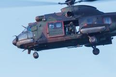 Leger en de oefening van de Luchtmachthelikopter Poema het landen Royalty-vrije Stock Foto