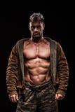 Leger, militaire, sterke mens, gewichten, het uitoefenen, gymnastiek Stock Foto