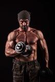 Leger, militaire, sterke mens, gewichten, het uitoefenen, gymnastiek royalty-vrije stock afbeelding
