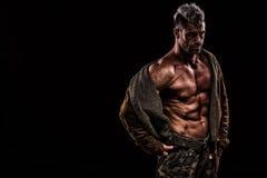 Leger, militaire, sterke mens, gewichten, het uitoefenen, gymnastiek stock foto's