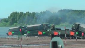 Leger spel-2017 Veilige Routewedstrijd Tyumen Rusland stock video