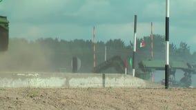 Leger spel-2017 Veilige Routewedstrijd Tyumen Rusland stock footage