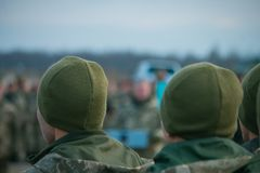 Legerparade, militaire eenvormige militairrij maart stock foto's