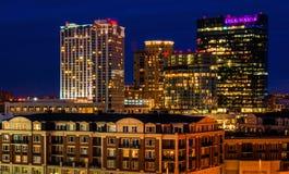 Legg Mason Building et d'autres pendant le crépuscule de la colline fédérale, Baltimore, le Maryland. photos stock