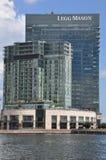 Legg Mason Tower, uns 24 arranha-céus de vidro da história, saques como as matrizes novas para a gestão de ativos firma Legg Maso imagens de stock