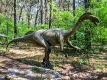Legged herbivoor dinosaurus twee in bos royalty-vrije stock foto's
