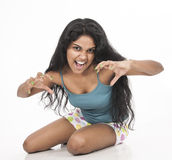 Legião modelo fêmea indiana no fundo do branco do estúdio Imagens de Stock Royalty Free
