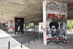 Legia华沙橄榄球俱乐部爱好者创造的有趣的街道画  免版税图库摄影