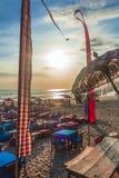 Legian, Бали/Индонезия, август 2016: Заход солнца на баре пляжа стоковое фото rf