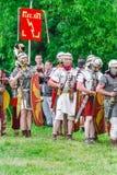 Legionários romanos no ` Roma antiga do local e em seu ` dos vizinhos ` Dos tempos e das épocas do ` do festival foto de stock royalty free