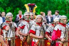Legionários romanos no ` Roma antiga do local e em seu ` dos vizinhos ` Dos tempos e das épocas do ` do festival imagem de stock royalty free