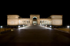 Legion of Honor 2. Legion of Honor in San Francisco at night.  It is an art gallery with a statue of The Thinker in the public courtyard Royalty Free Stock Images