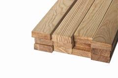 legname Bordi del pino su un fondo bianco Immagini Stock