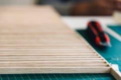 Legno e taglierina messi per i modelli di architettura Fotografie Stock