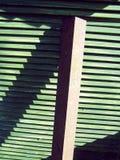 Legno e trave slated verde Fotografie Stock